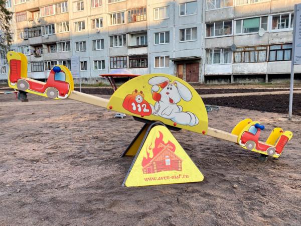 Новая детская площадка на Воровского