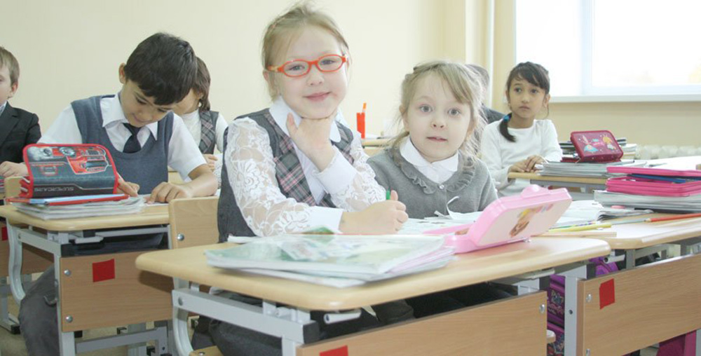 В Ленобласти убирают вторую смену в школах