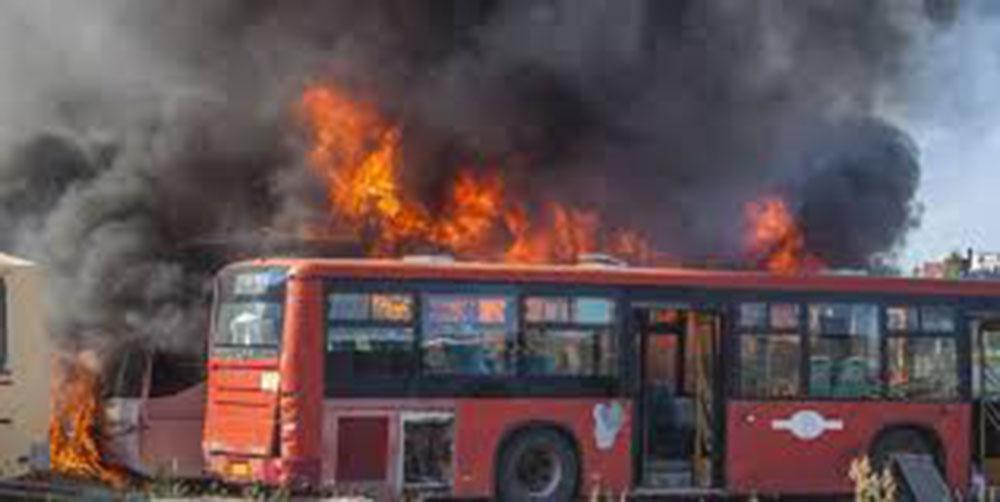 В Кингисеппе сгорели 3 автобуса